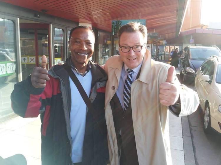 Dan Simmons (AFN Berlin) und Dr. Nikolaus Andre (MIO/Soul-Jazz.de) am 20. März 2014, Berlin-Tegel
