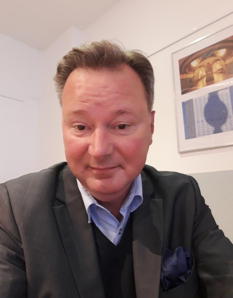 Portraitbild Dr. Nikolaus Andre